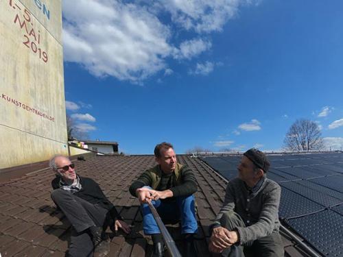Die Freischwimmer:Janos Fischer, Axel Wagner, Andreas Kloker auf dem Dach